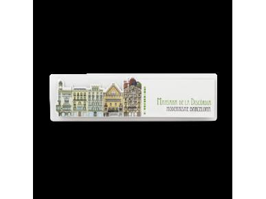 Die-cut bookmark of the monuments of the Mansana de la Discòrdia in Barcelona in its plastic case
