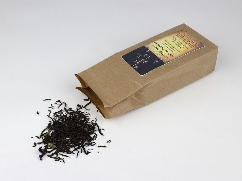 """paquete de té a granel con la etiqueta """"thé des rois de Toulouse"""""""