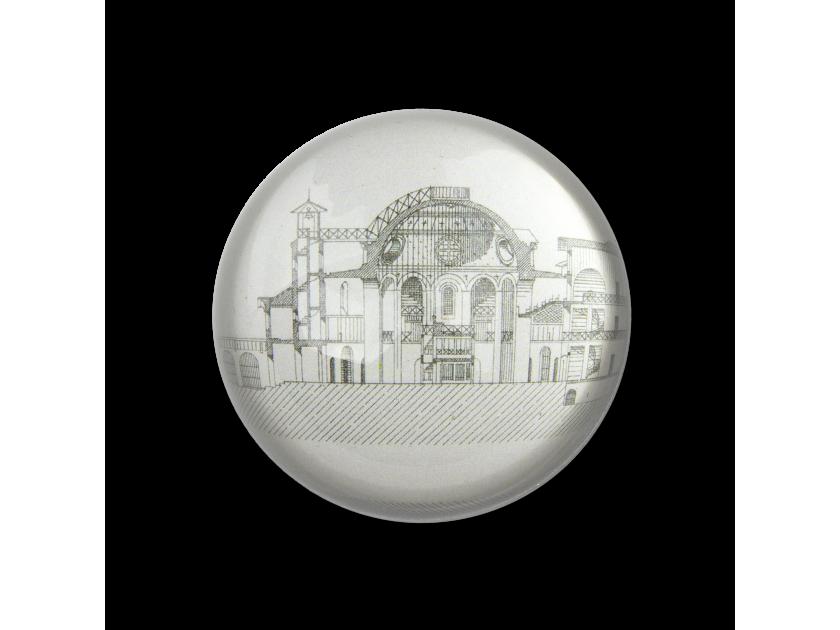 pisapapeles de cristal visto desde arriba con un boceto del antiguo Castelet en su interior
