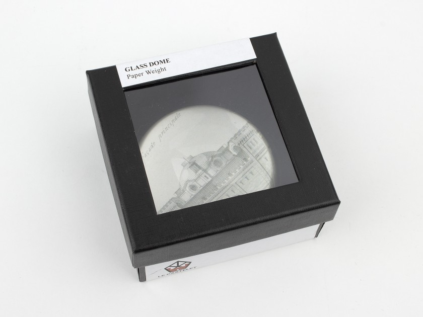 glass paperweight seen from above with a sketch of the main facade of the Castelet