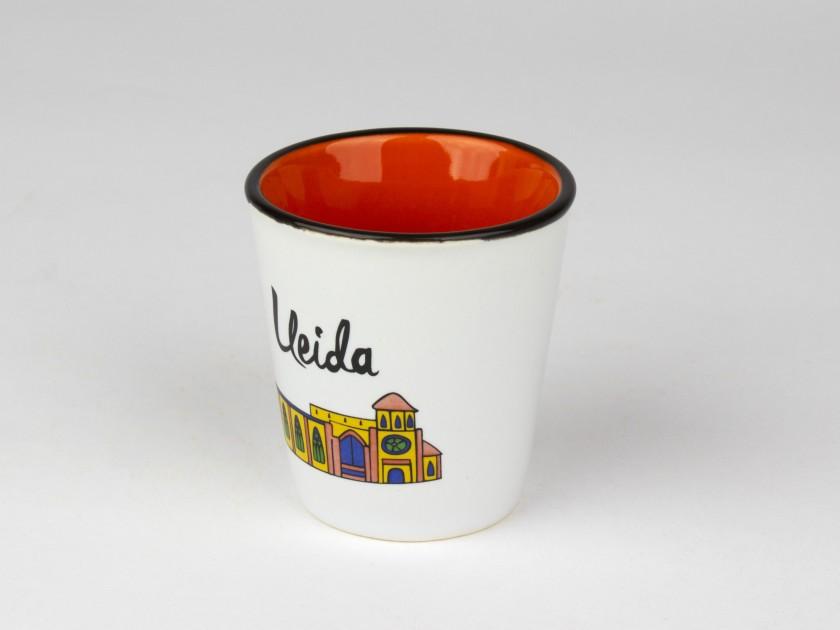 vaso de cerámica con un colorido diseño de la catedral de Lleida impreso