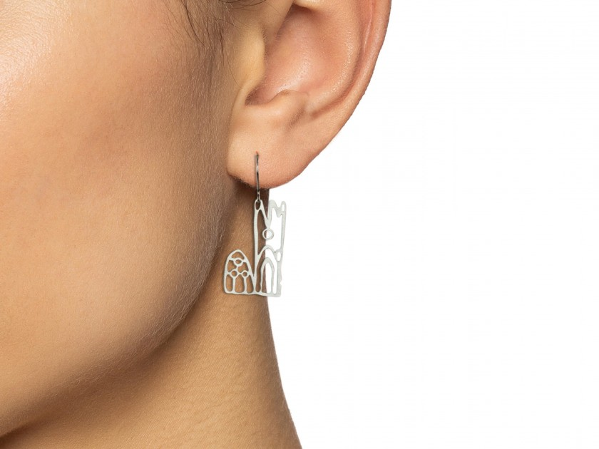 silver plated earrings featuring the Lleida cathedral