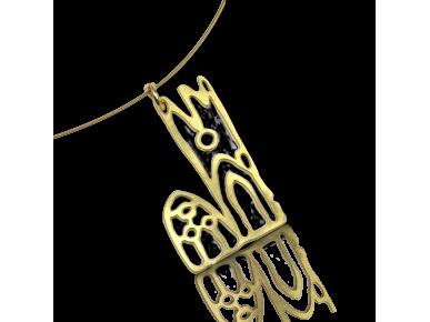 collar con un colgante de metal dorado que representa la catedral de Lleida