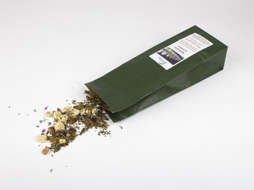 green pack of herbal tea with a label and the name Couvent des Jacobins Toulouse