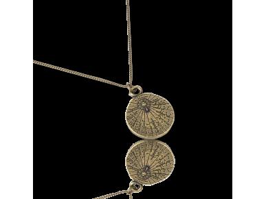 colgante con forma de pequeño reloj de sol en metal dorado