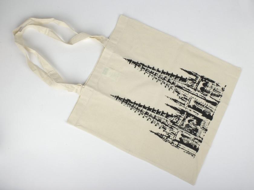 Bolsa de tela de color natural con una ilustración en negro de la catedral de Burgos