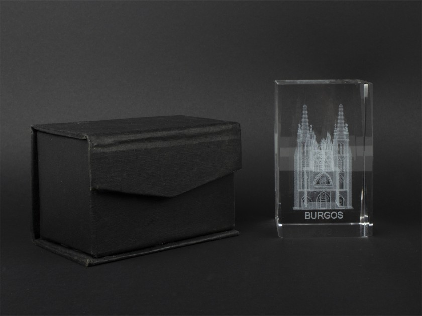 decorative block of optical glass with the cathedral of Burgos engraved inside