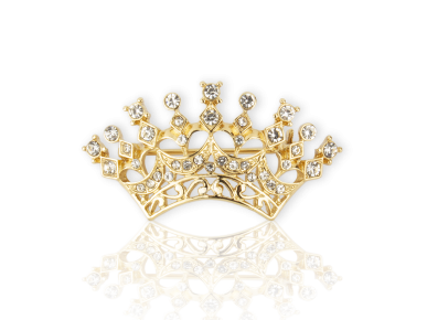 Broche en forma de corona dorada con cristales transparentes