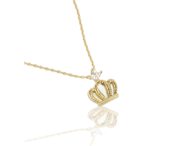 Colgante dorado en forma de corona con incrustaciones de nácar y engastado con un cristal transparente